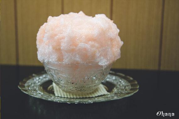 六花の桃カキ氷